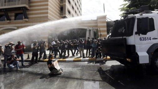 Violencia-en-Turquia-entre-pol_54375041732_53699622600_601_341